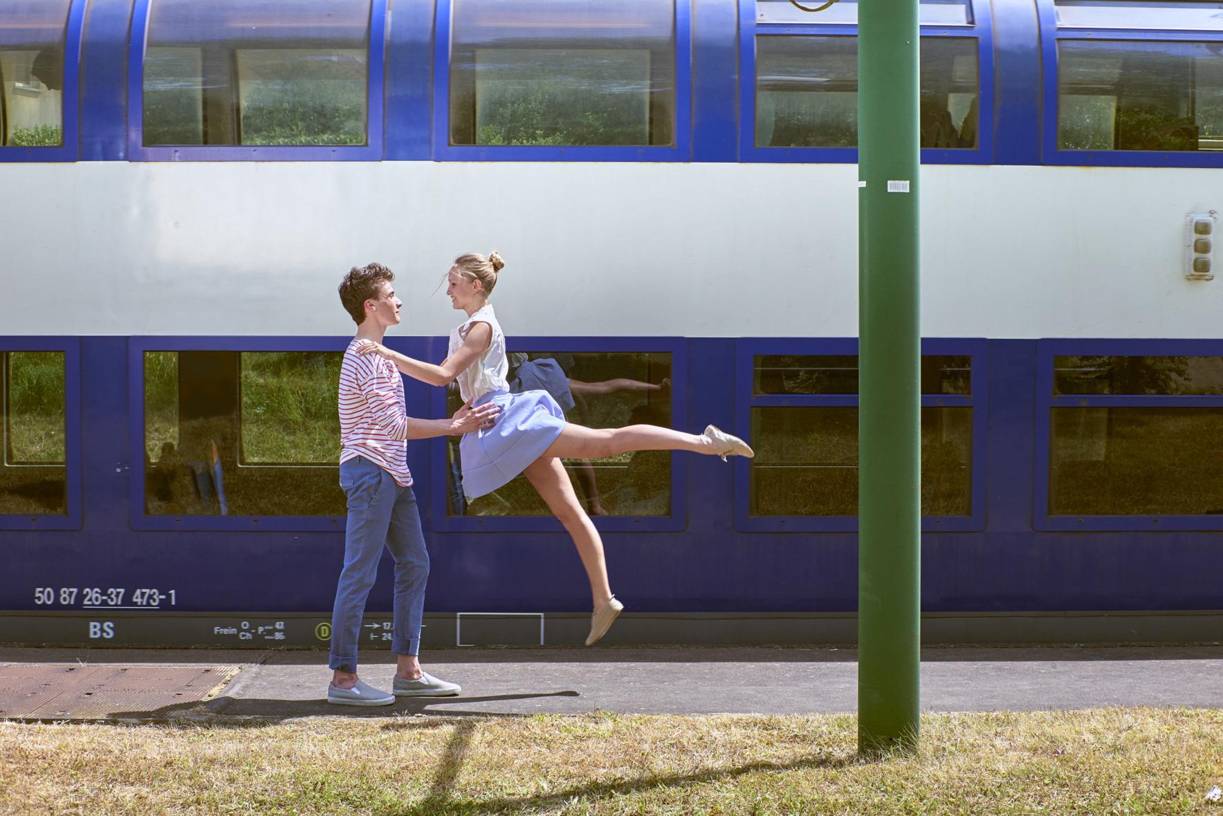 Commande de la SNCF Caroline Pollet et Norman Ancenys . AA : Caroline Rouanet . Retouche : Alexandre Le Fur. Production : Continental Production