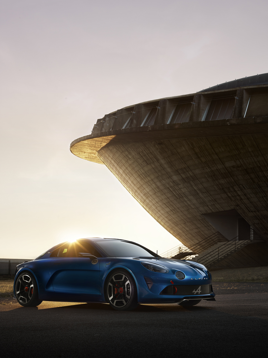 La nouvelle Renault Alpine au pied de La Soucoupe de Saint Nazaire pour AD magazine . Chief Editor : Marie Kalt . Art Director : Thibaut Mathieu . Producer : Shirley Doukhan . Production : Continental . Retouching : ADDICT