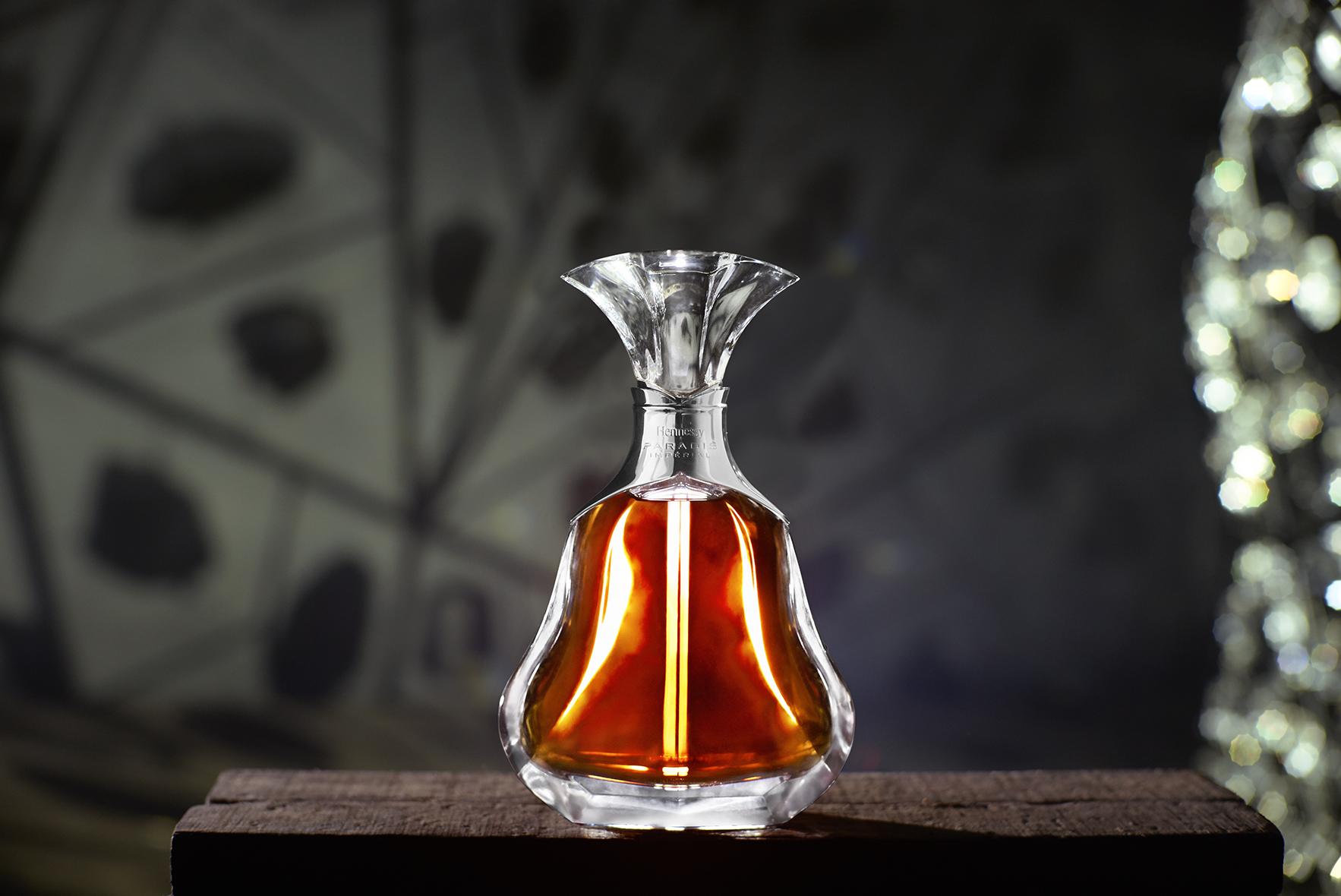 Collab artistique MLF et HENNESSY . Cuvée Paradis Impérial . édition : Aymeric Mantoux . DA : Sylvain Vitrat. Cognac .